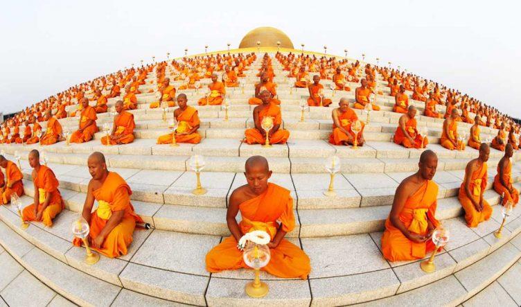 служение в буддизме